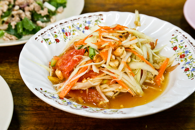 green_papaya_salad_bangkok_thailand