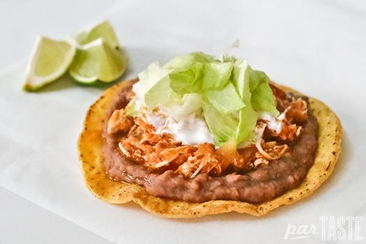tostada_de_tinga_de_pollo_mexican_food_partaste