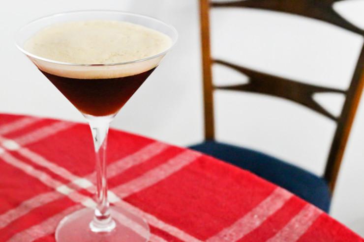 caffe_shakerato_italian_iced_coffee_martini