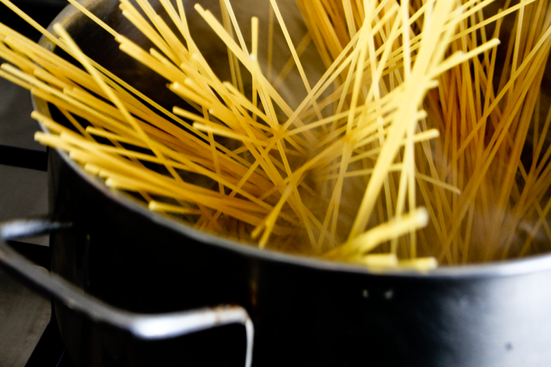 How To Eat Pasta Like An Italian Dish Du Jour By Partaste
