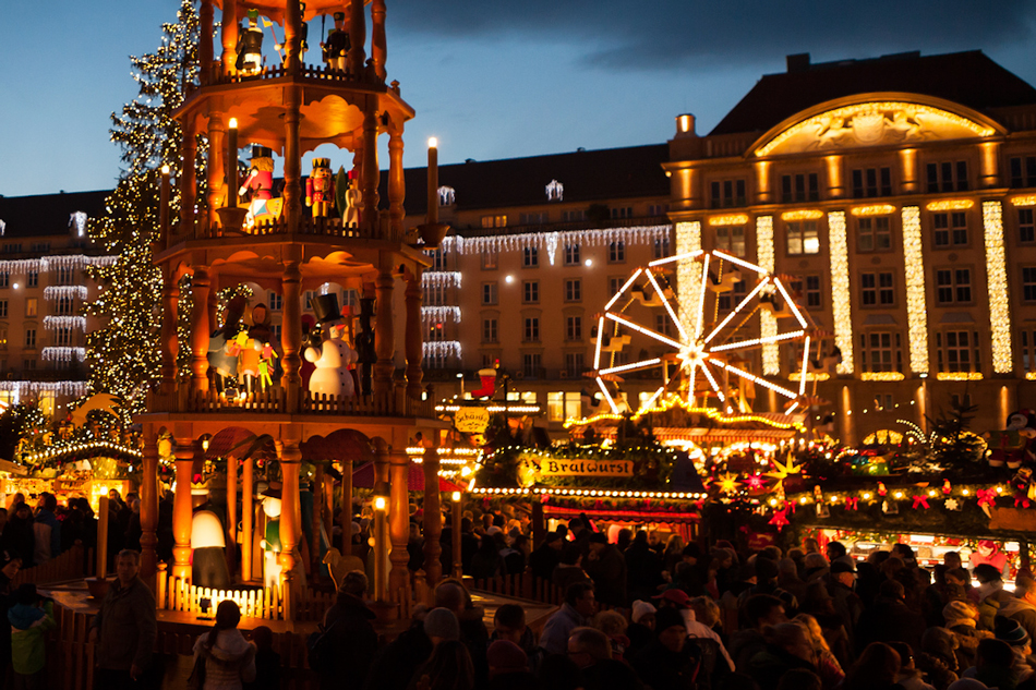 Which Country Hosts Striezelmarkt A Christmas Market Thats Been Held Since 1434.Christmas Market Foods Culture In Germany Partaste